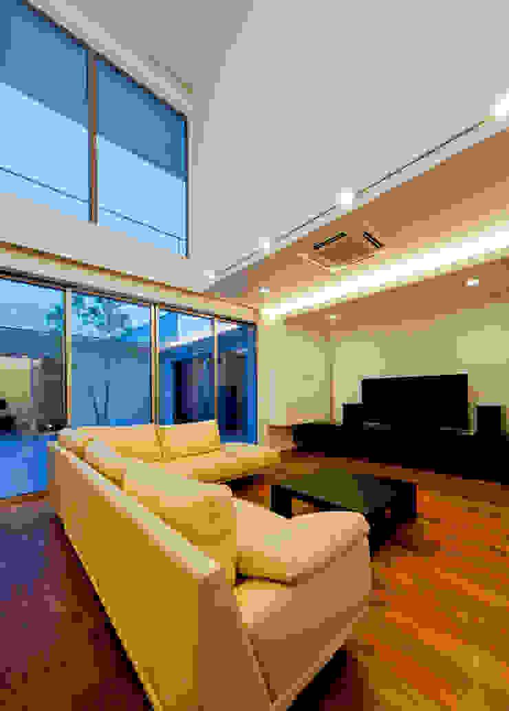 リビング3 モダンな 家 の H建築スタジオ モダン