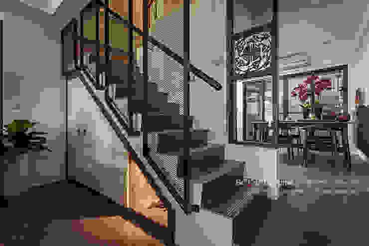 Pasillos, hall y escaleras asiáticos de 大不列顛空間感室內裝修設計 Asiático