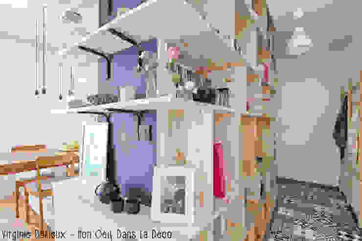 Pasillos, vestíbulos y escaleras de estilo escandinavo de MON OEIL DANS LA DECO Escandinavo