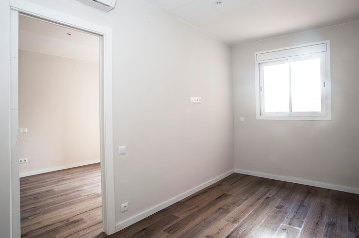 Modern Bedroom by Grupo Inventia Modern Concrete