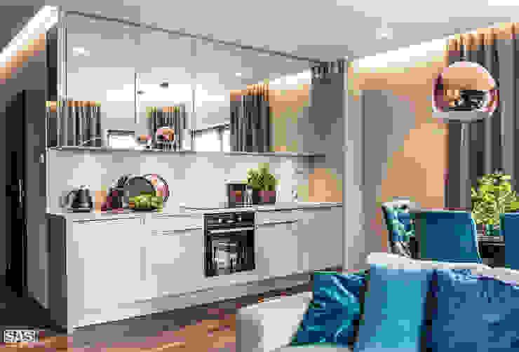 Modern kitchen by SAS Modern