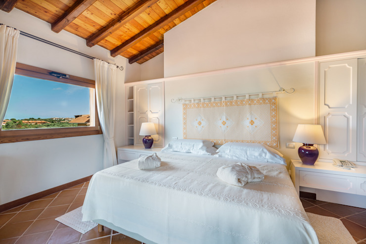 Classic style bedroom by Gabriele Sotgiu Photographer Classic