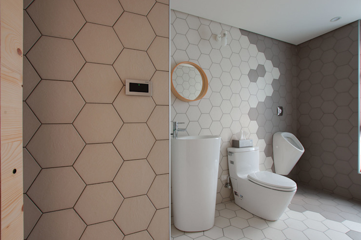 Salle de bains de style  par 六相設計 Phase6, Minimaliste