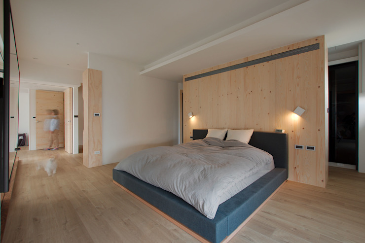 Minimalist bedroom by 六相設計 Phase6 Minimalist