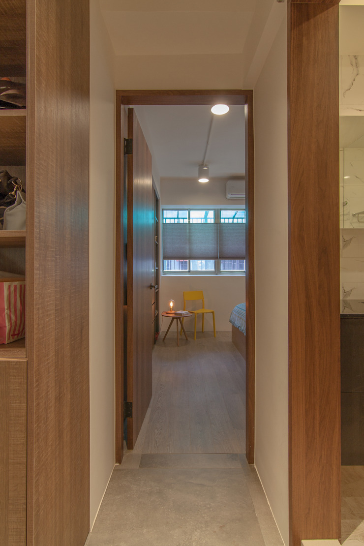 ZNY house 珞石設計 LoqStudio Modern Corridor, Hallway and Staircase