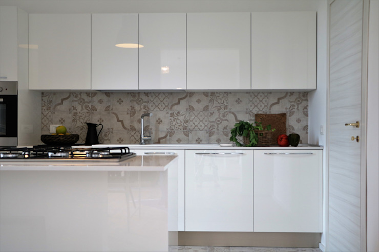 Modern Kitchen by rosalba barrile architetto Modern