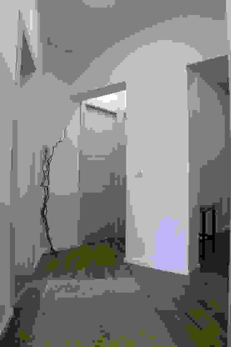 rosalba barrile architetto Koridor & Tangga Modern