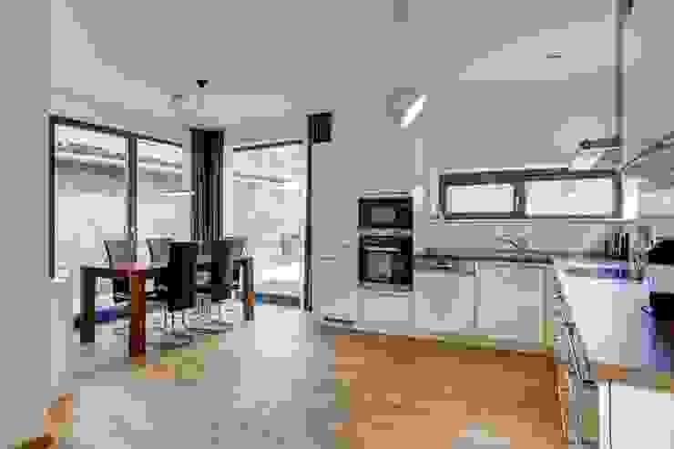 Dapur Modern Oleh Architekturbüro Prell und Partner mbB Architekten und Stadtplaner Modern