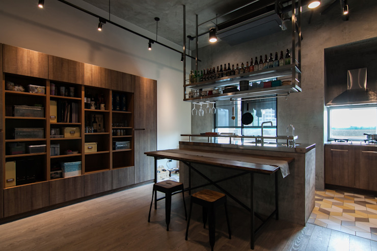 WLL house Industrial style kitchen by 珞石設計 LoqStudio Industrial