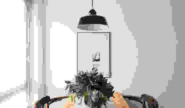 Mesa de refeições por Arkstudio Eclético