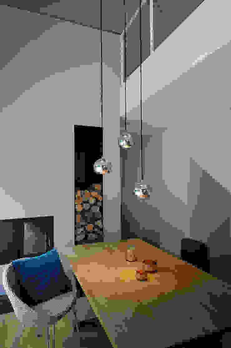 GRIMM ARCHITEKTEN BDA Ruang Makan Modern