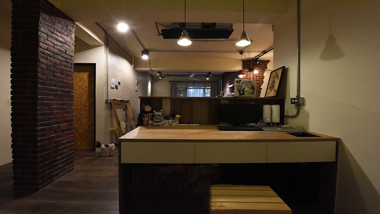 老屋新生: 產業  by 皇室空間室內設計, 工業風