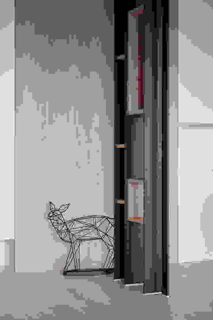東京中城 蔡宅 現代風玄關、走廊與階梯 根據 思維空間設計 現代風