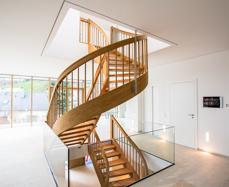 Classic style corridor, hallway and stairs by Holzmanufaktur Ballert e.K. Classic Wood Wood effect