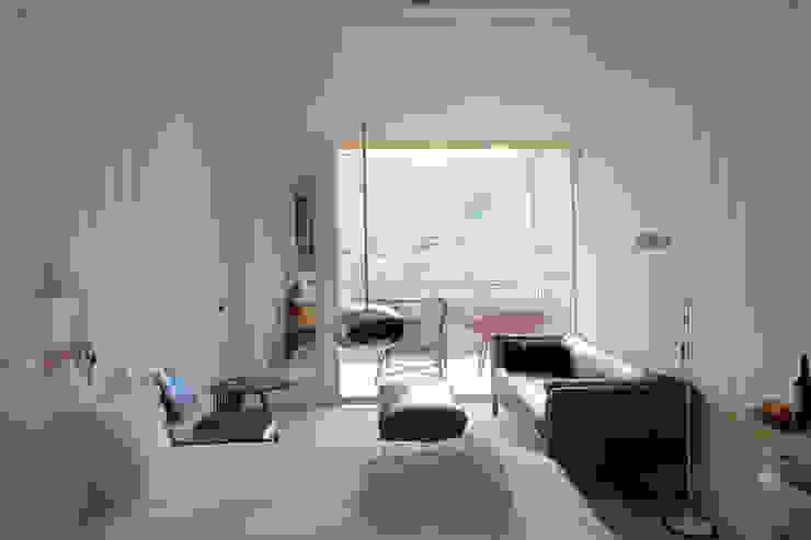 Casa do Rio Quartos modernos por Menos é Mais - Arquitectos Associados Moderno