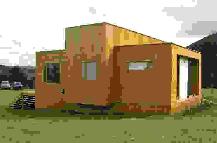 Casa cubica madera Casas modernas de Taller de Ensamble SAS Moderno Madera Acabado en madera