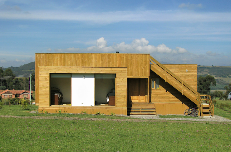 Modern houses by Taller de Ensamble SAS Modern Wood Wood effect