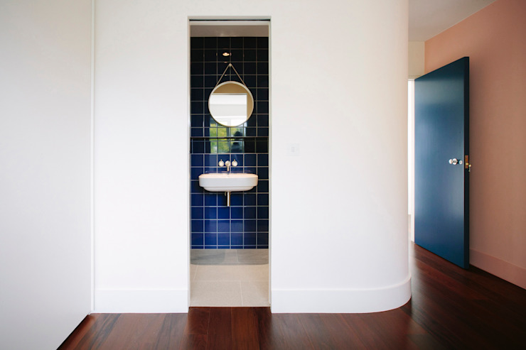 Bedroom looking into ensuite Modern bathroom by Gundry & Ducker Architecture Modern Ceramic