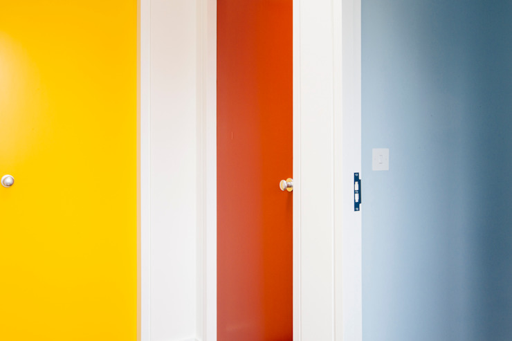 Hallway doors Modern corridor, hallway & stairs by Gundry & Ducker Architecture Modern Wood Wood effect