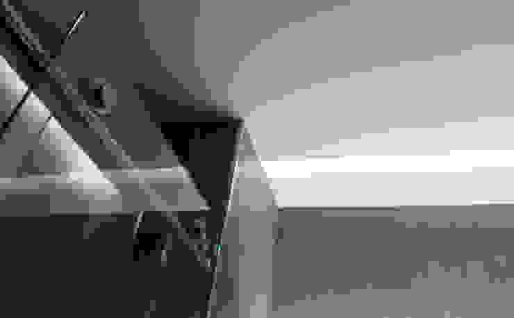 Casa de Banho Casas de banho modernas por Ivo Sampaio Arquitectura Moderno Ferro/Aço