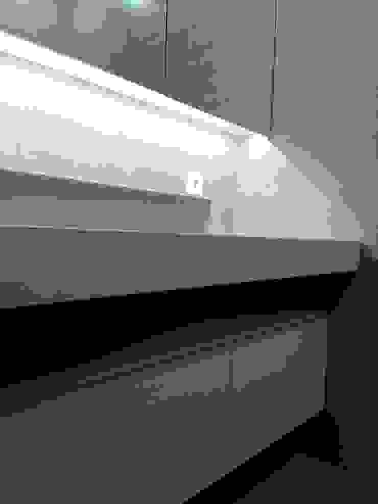 Casa de Banho Casas de banho modernas por Ivo Sampaio Arquitectura Moderno MDF
