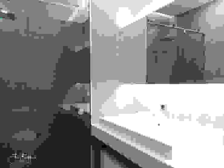 Casa de Banho Casas de banho modernas por Ivo Sampaio Arquitectura Moderno Betão