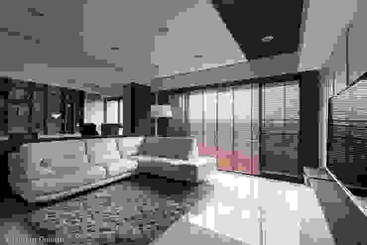 Ruang Keluarga Modern Oleh 思維空間設計 Modern