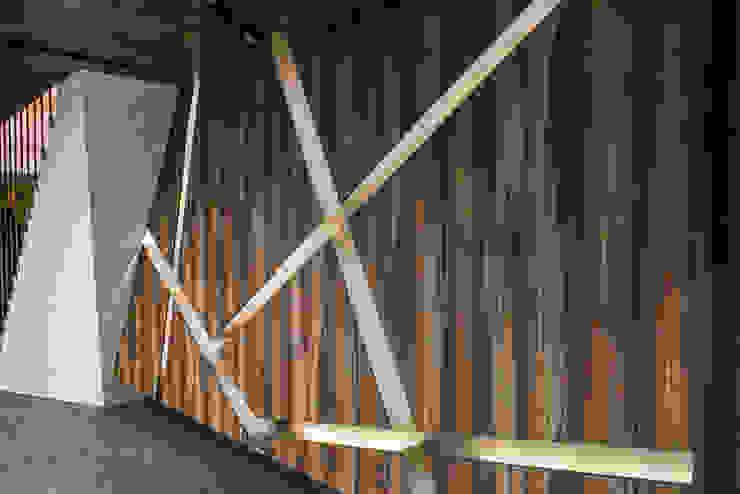 商空 / JY 眾悅精緻汽車美容 根據 匯羽設計 / Hui-yu Interior design 現代風