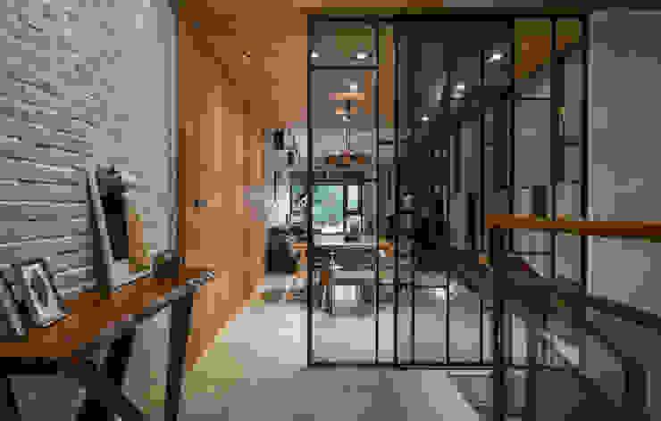 Living room by 匯羽設計 / Hui-yu Interior design