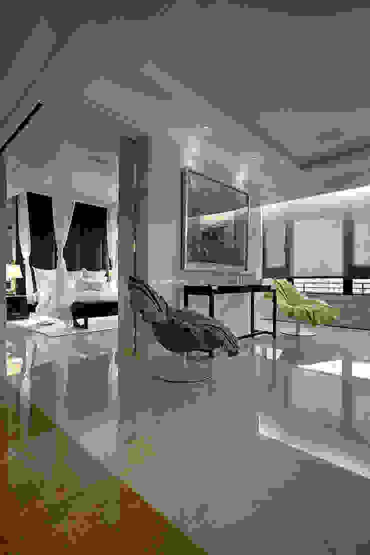 【大明大放 | Bright, Open space】 現代浴室設計點子、靈感&圖片 根據 天坊室內計劃有限公司 TIEN FUN INTERIOR PLANNING CO., LTD. 現代風