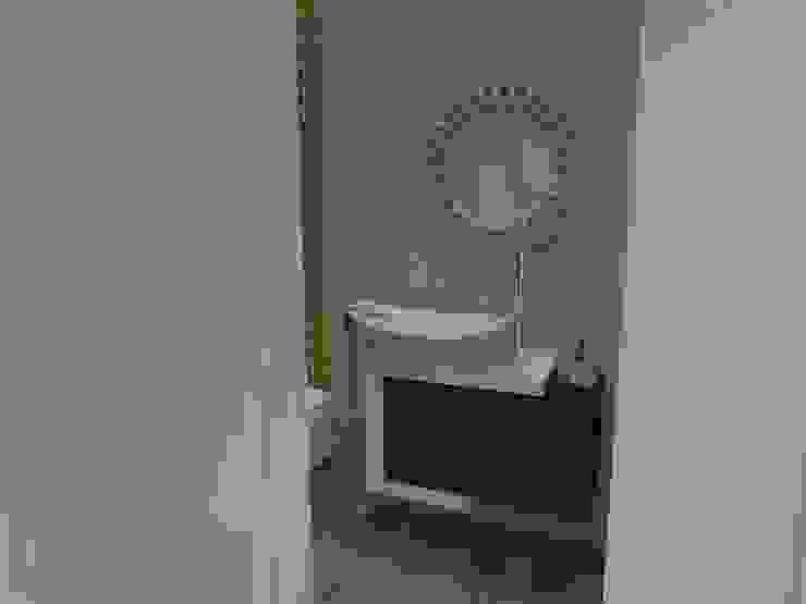 Casa de banho Social Casas de banho modernas por MUDE Home & Lifestyle Moderno