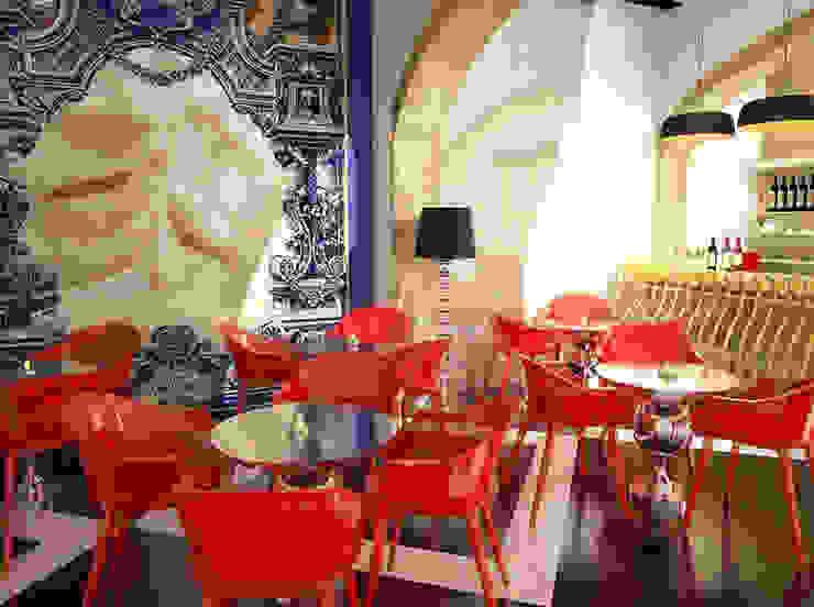Bar & Club in stile eclettico di MUDE Home & Lifestyle Eclettico