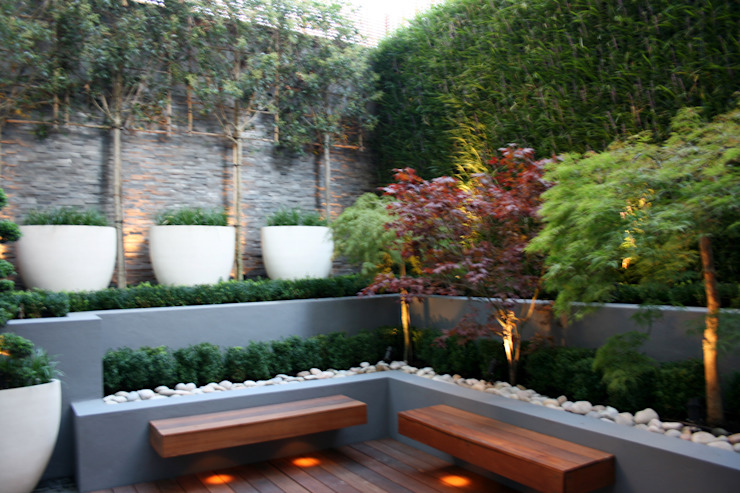 Contemporary basement Court Yard in Central London Taman Modern Oleh GreenlinesDesign Ltd Modern Batu Tulis