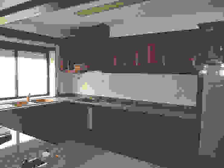 Cozinha - Antes por HC Construções