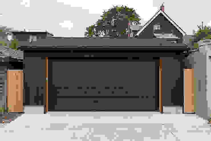 Garajes de estilo  por STUDIO Z