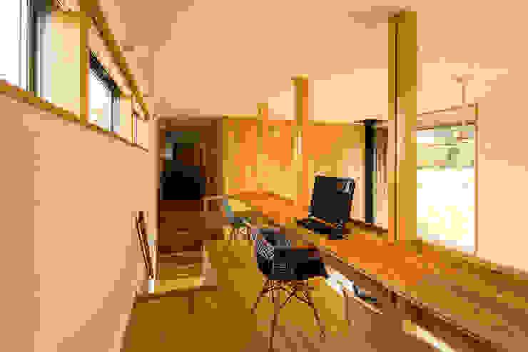 Study/office by 中山大輔建築設計事務所/Nakayama Architects,