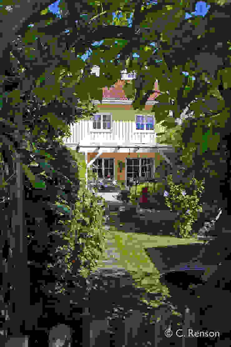 Einblicke in sommerlichen Reihenhausgarten dirlenbach - garten mit stil Skandinavischer Garten