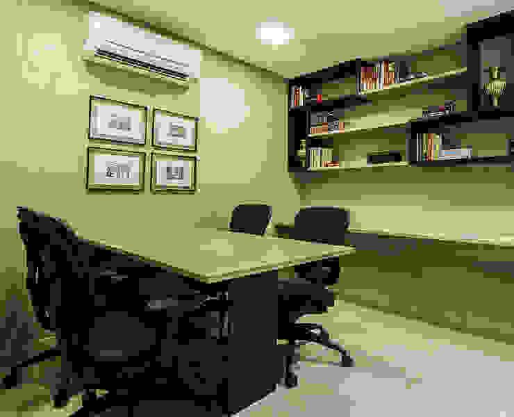 مكاتب ومحلات تنفيذ Cris Nunes Arquiteta, كلاسيكي