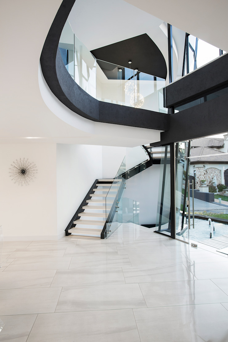 ULTRA MODERN RESIDENCE Modern Corridor, Hallway and Staircase by FRANCOIS MARAIS ARCHITECTS Modern
