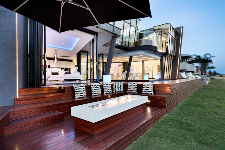 Modern balcony, veranda & terrace by FRANCOIS MARAIS ARCHITECTS Modern