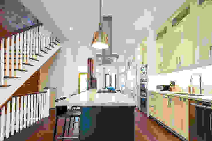 Bickford Park Modern Kitchen by Solares Architecture Modern