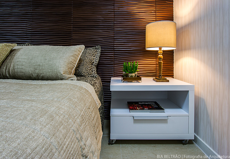 Bedroom by Cris Nunes Arquiteta, Classic