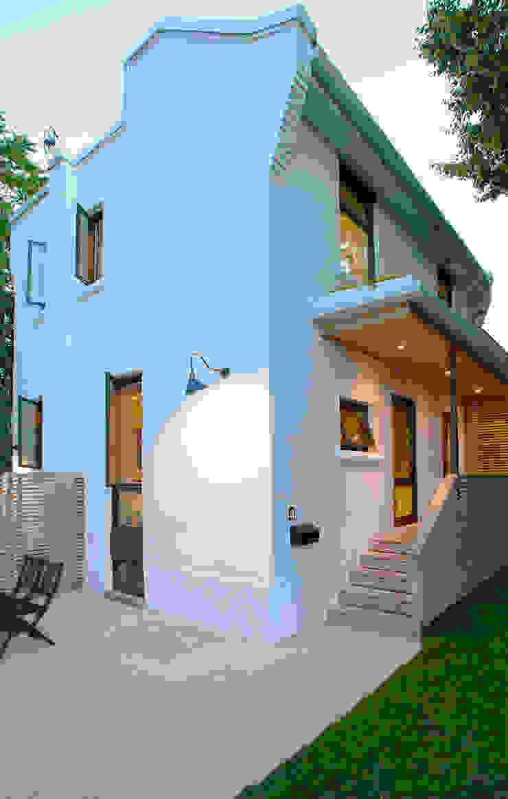 Casas de estilo minimalista de Solares Architecture Minimalista