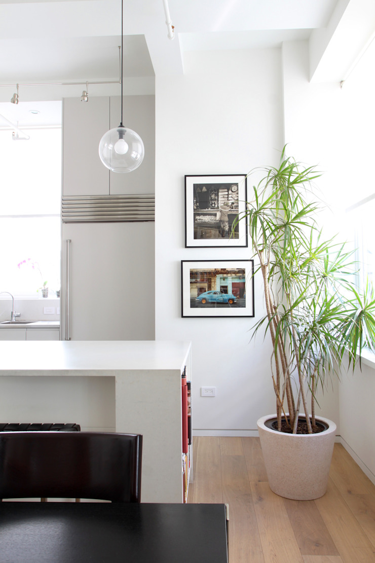 Chelsea Loft Modern Kitchen by Maletz Design Modern