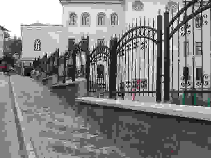Duvar Üzeri Merdiven Korkuluğu Asyatik Evler REYTAŞ DEMİR ÇELİK FERFORJE Asyatik Demir/Çelik