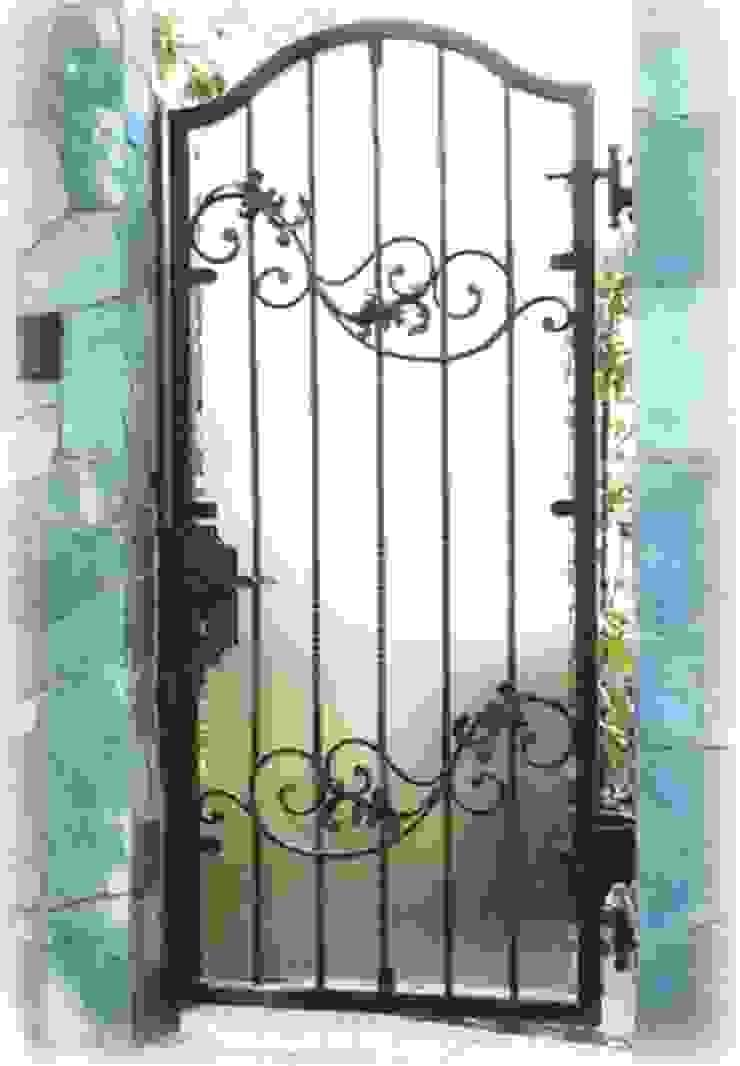 Ferforje Bahçe Kapısı Rustik Evler REYTAŞ DEMİR ÇELİK FERFORJE Rustik Demir/Çelik