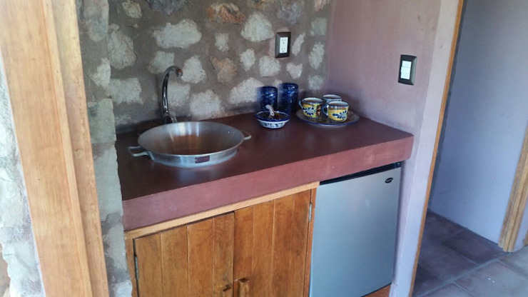 Kitchen by Cervantesbueno arquitectos, Rustic Stone