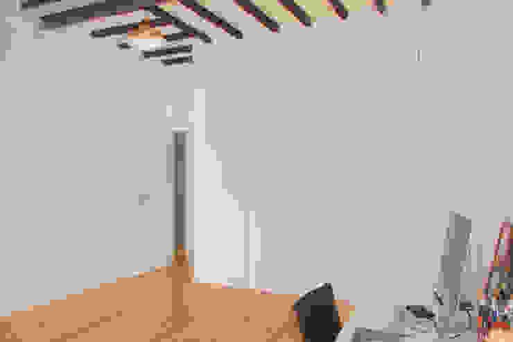 Duplex em Lisboa por Mezcla