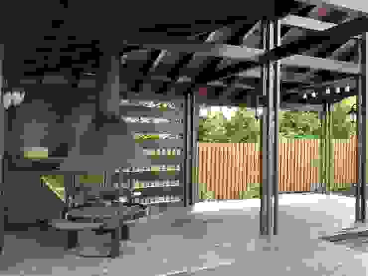 Projeto CHURRASCO Varandas, marquises e terraços modernos por D O M | Architecture interior Moderno