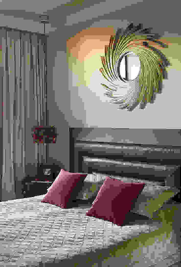 Marina Pennie Design&Art Eclectic style bedroom Brown